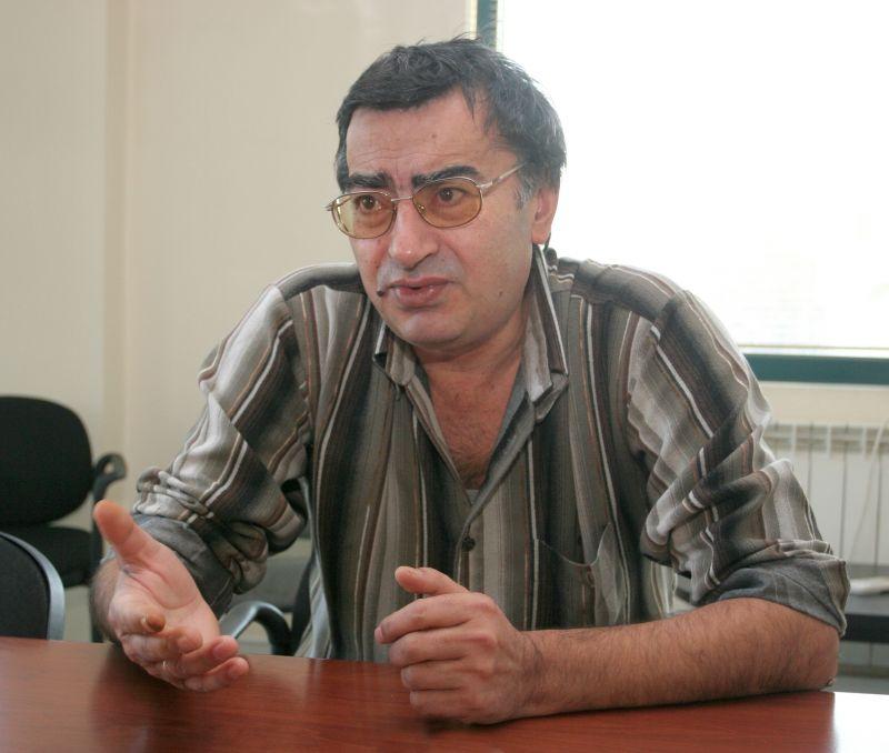 Все още сме в плен на едно немощно настояще – Живко Георгиев, социолог