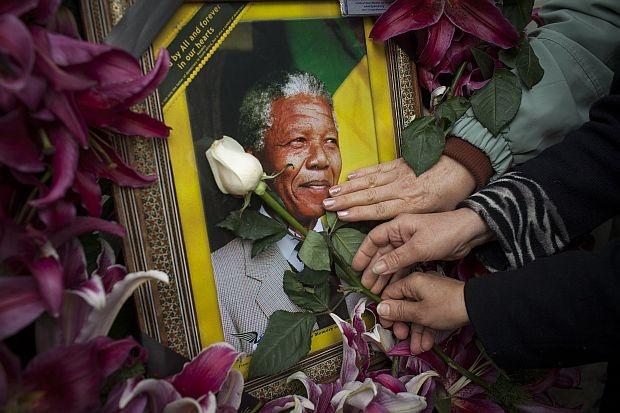 Българското отсъствие от погребението на Мандела – Къдринка Къдринова, сп. ТЕМА