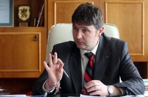 Кметът на Самоков Владимир Георгиев се е видял в чудо от всевъзможните пречки пред създаването на едно общинско водоснабдително дружество