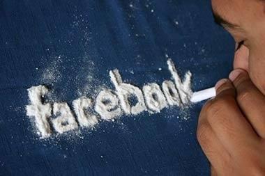"""Фейсбук разпространява """"емоционални зарази"""""""