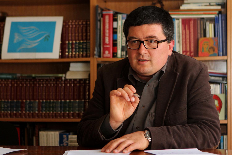 Бедността в България се дължи на чудовищно неравенство – интервю с Боян Захариев, сп. ТЕМА