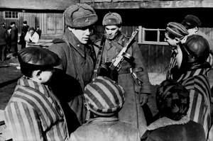 Полска акушерка съветски войници