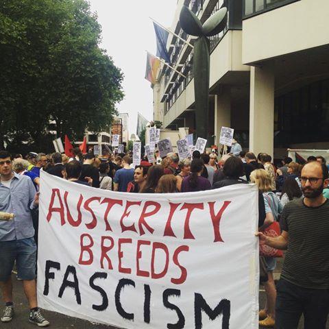 Лондон, Великобритания - Мерките на строгии икономии пораждат фашизъм