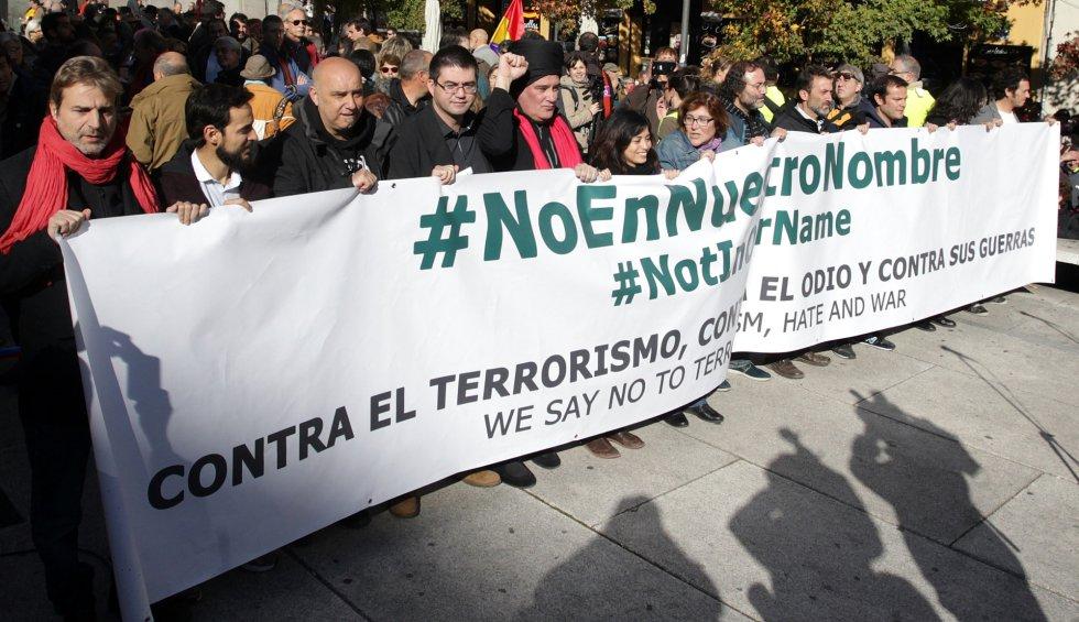 28-11-15. (DVD 756). Concentracion contra la guerra en Madrid