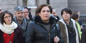 Кметицата на Барселона Ада Колау си спечели популярност с дългогодишната си дейност в защита на хората, изселвани заради неплатени ипотеки