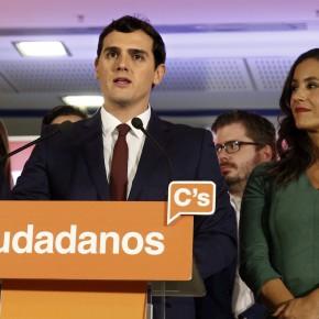 Алберт Ривера държеше да се покаже като центрист след обявяването на изборните резултати