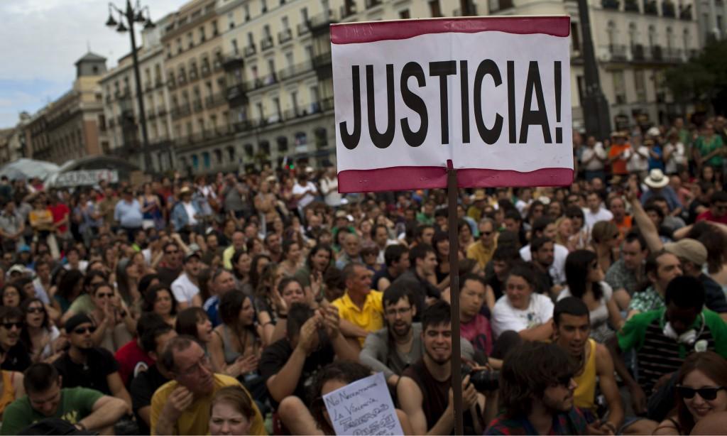 """Движението на възмутените, което през 2011-та заля площадите на Испания, роди по-късно и партията """"Подемос"""""""