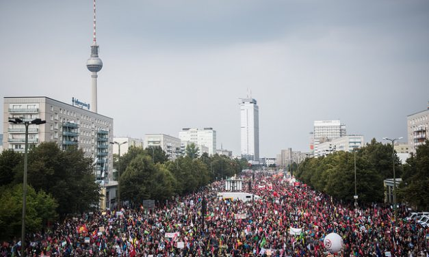 Напук на 300 хиляди души германските социалдемократи подкрепиха СЕТА