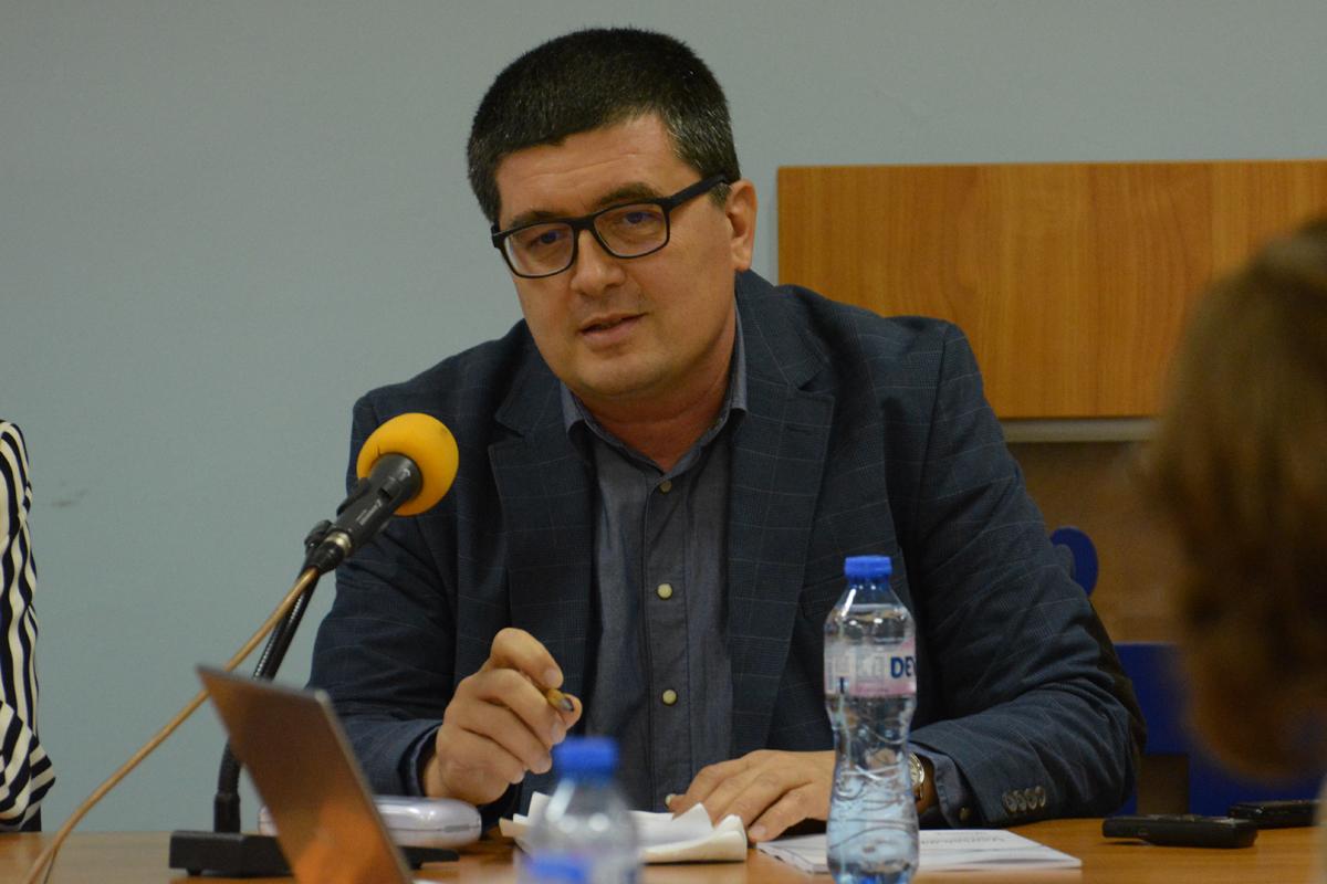 Боян Захариев, икономист