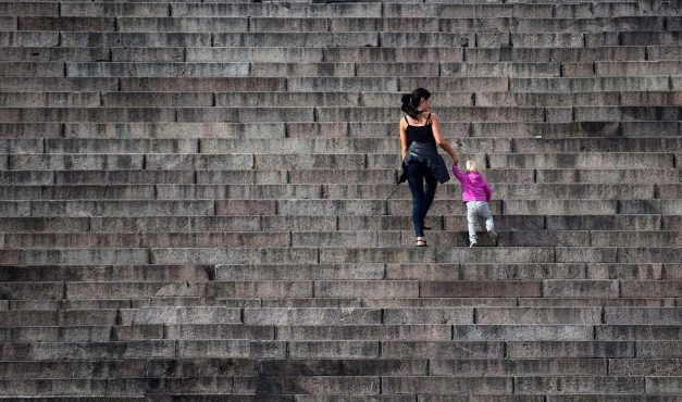 Без помощ за майки, загубили доход заради коронакризата